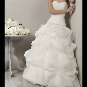 ⚡FLASH SALE⚡Adriana Alier Bridal Wedding Gown  NWT